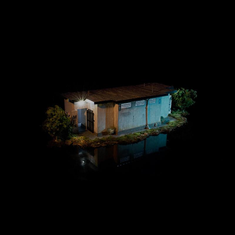 toilet dark cruising
